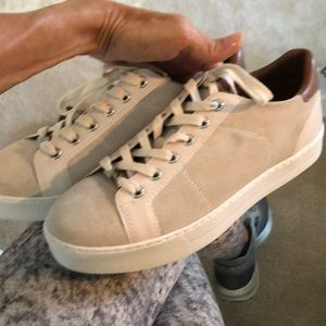 NEW Coach Sneakers 8.5 Paddy